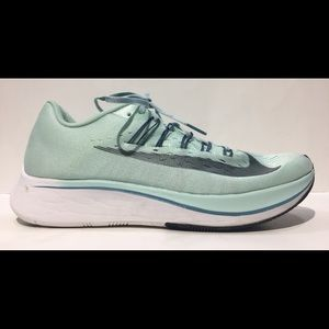 NIKE Women's ZOOM FLY Sz 10.5 Running Shoes